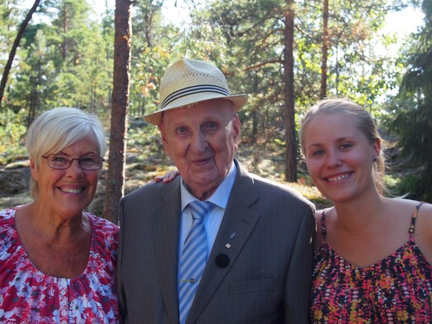Äitini, Vihtori ja Netta 16.8. Netan juhlissa, joka oli myös Vihtorin 101-vuotispäivä.
